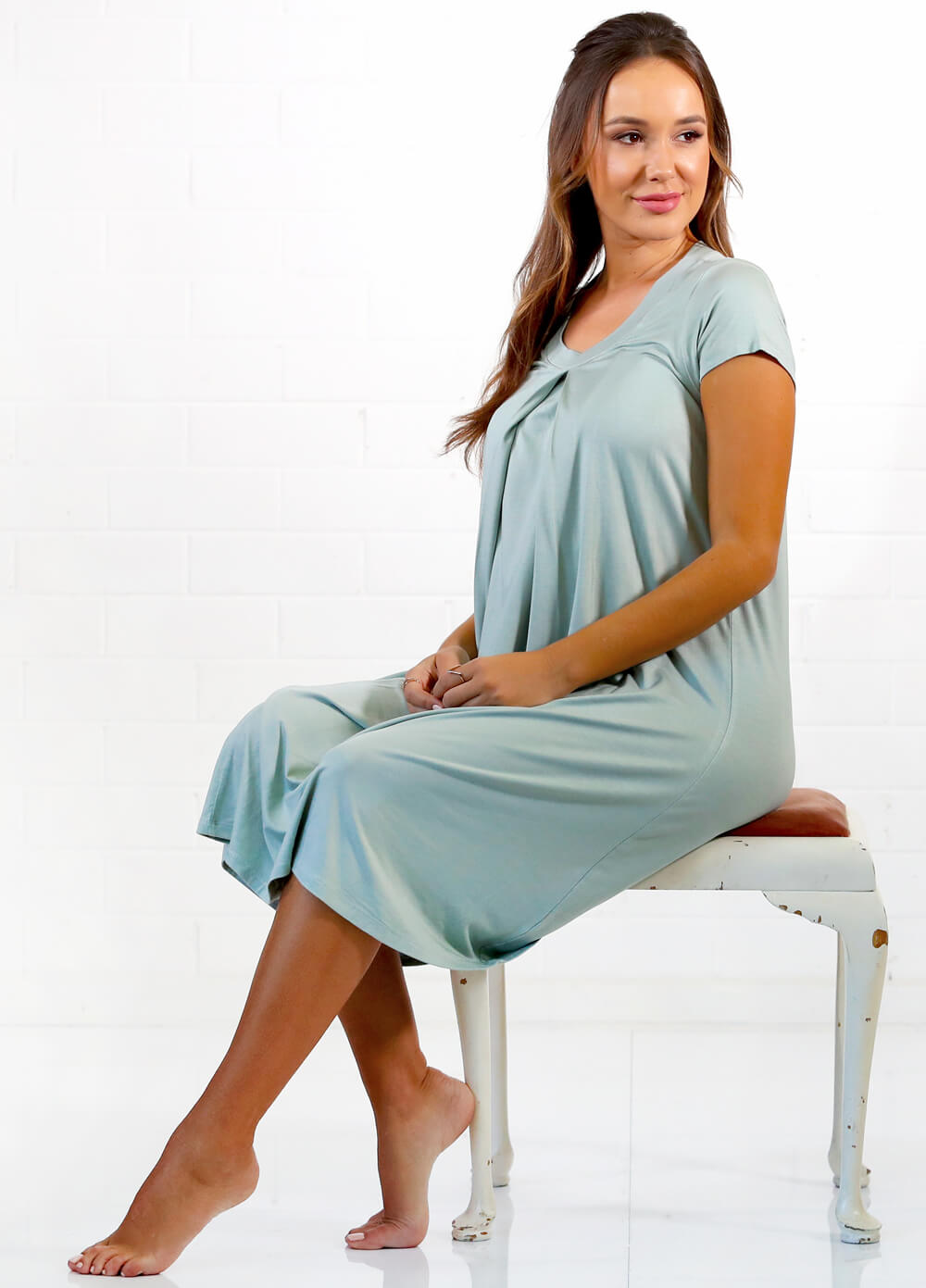Floressa Jayda Hospital Maternity & Nursing Gown | Queen Bee