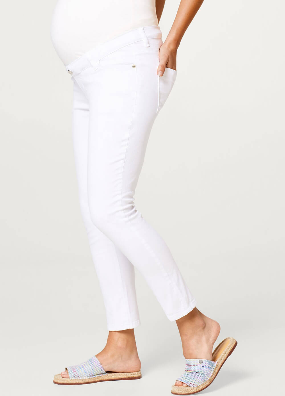 Cropped White Maternity Jeans by Esprit