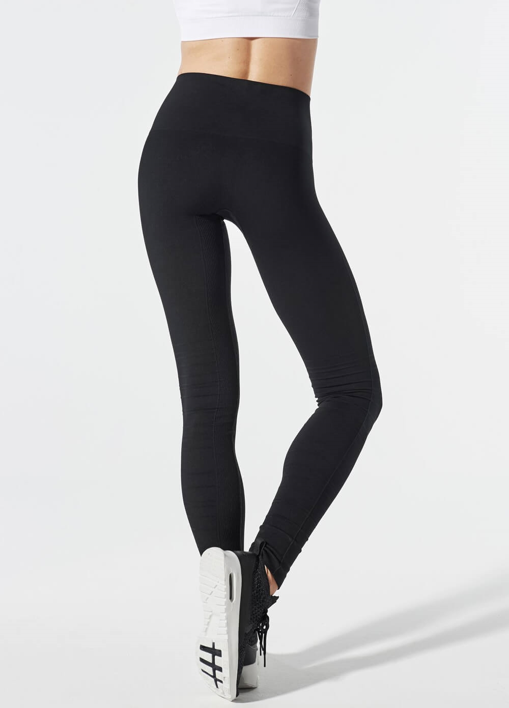 Blanqi - SportSupport Cuffed Legging in Black | Queen Bee