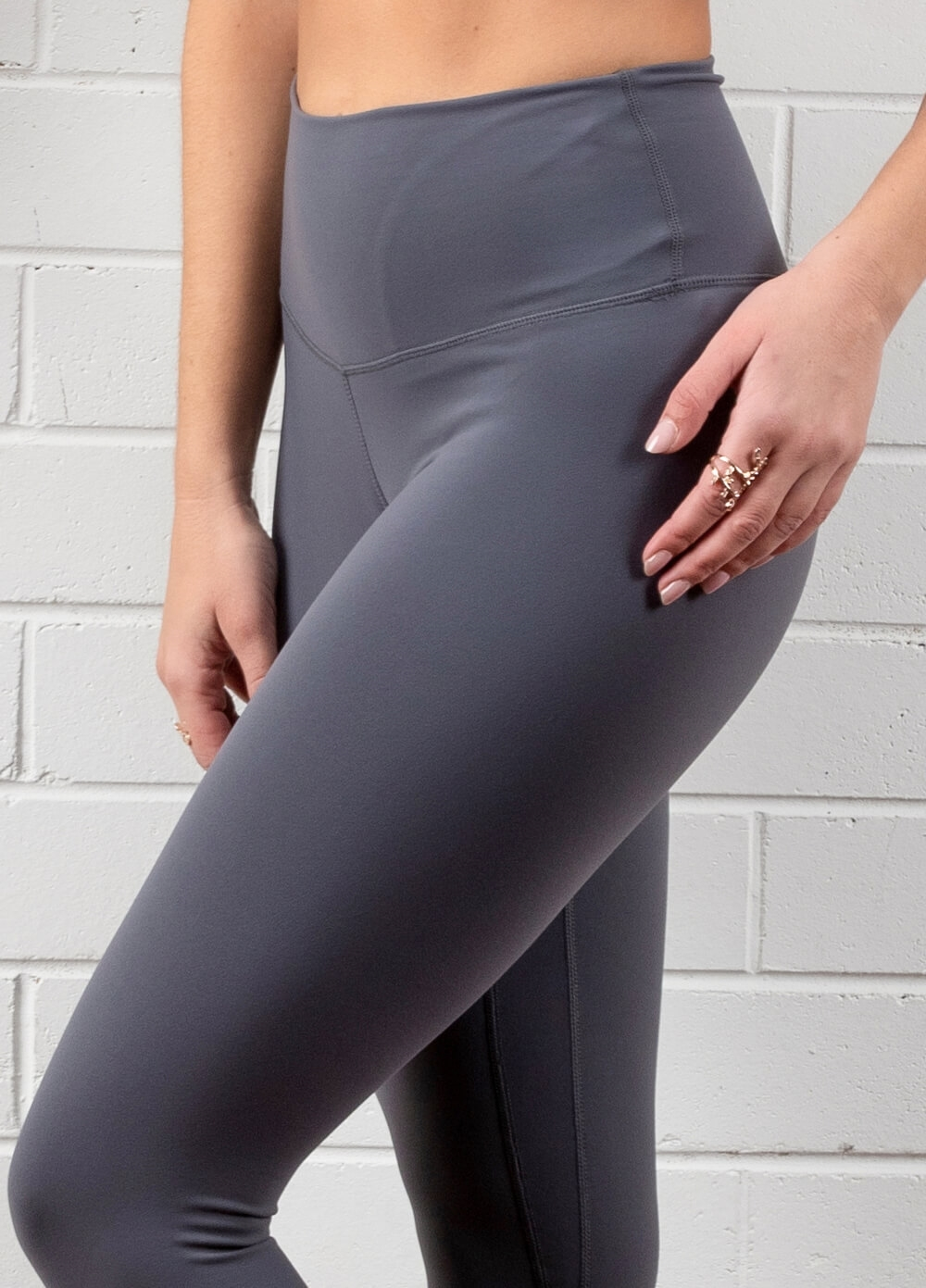 Queen Bee - Ivy Everyday Post Maternity Legging in Pewter